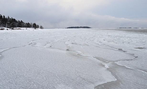 9. jaanuaril tehtud fotol on jääkate alles kujunemisjärgus. Foto keskel Kräsuli saar, sellest vasakul Aegna, paremal jupike Viimsi poolsaarest